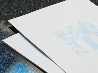 Edles Briefpapier mit Blindprägung